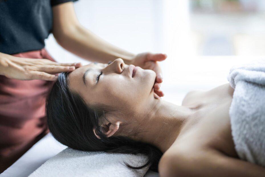 indian head massage therapy in loughton
